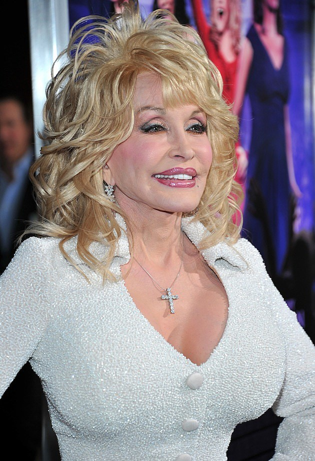 Does Dolly Parton Age Backwards? — Morning Eyegasm [PICTURES]