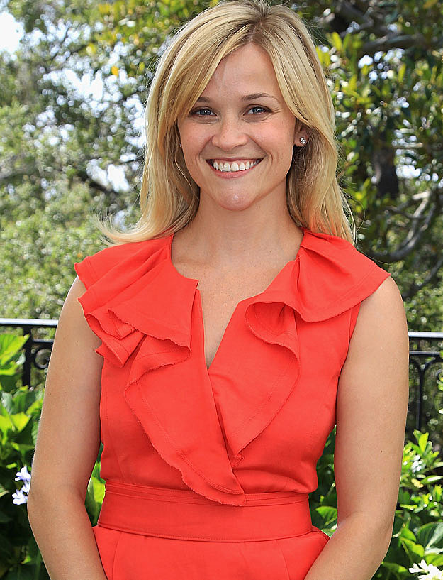 Reese Witherspoon peach dress