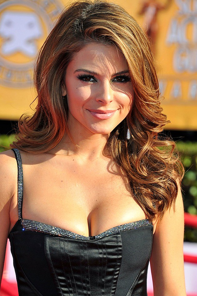 Menounos gown