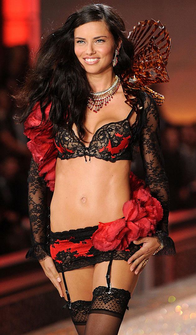 Adriana Lima Victoria's Secret runway