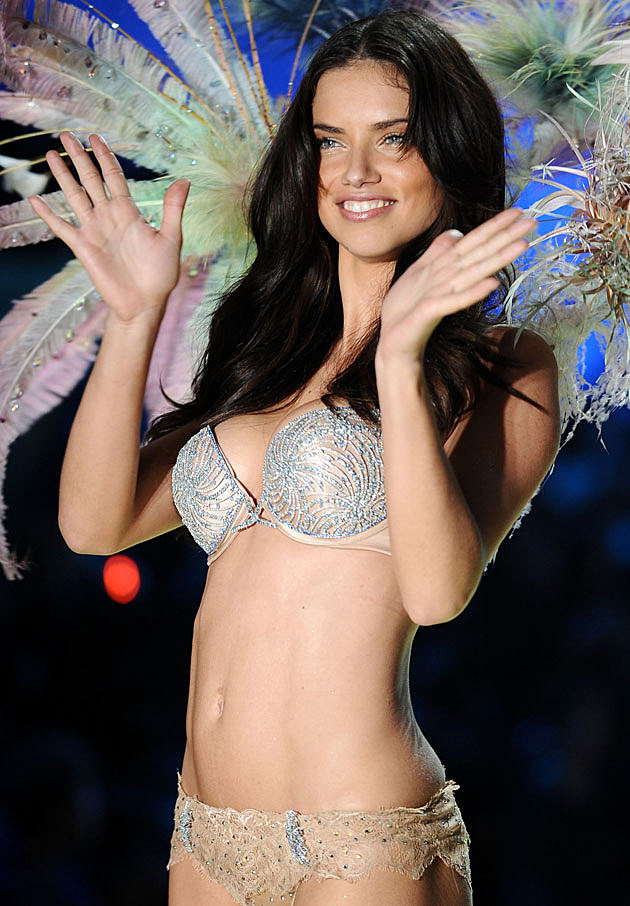 Adriana Lima Victoria's Secret show