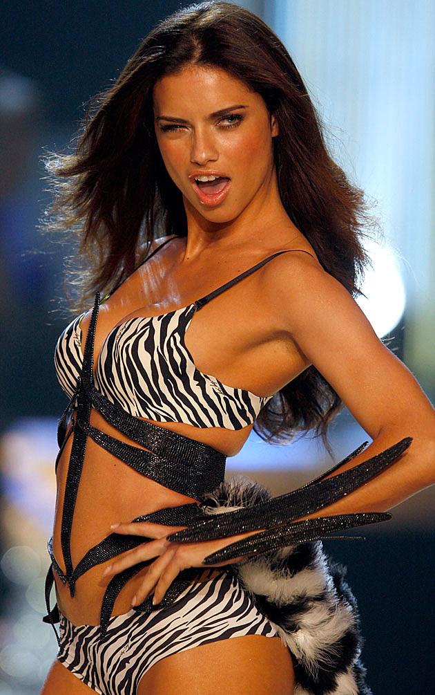 Adriana Lima Victoria's Secret wink