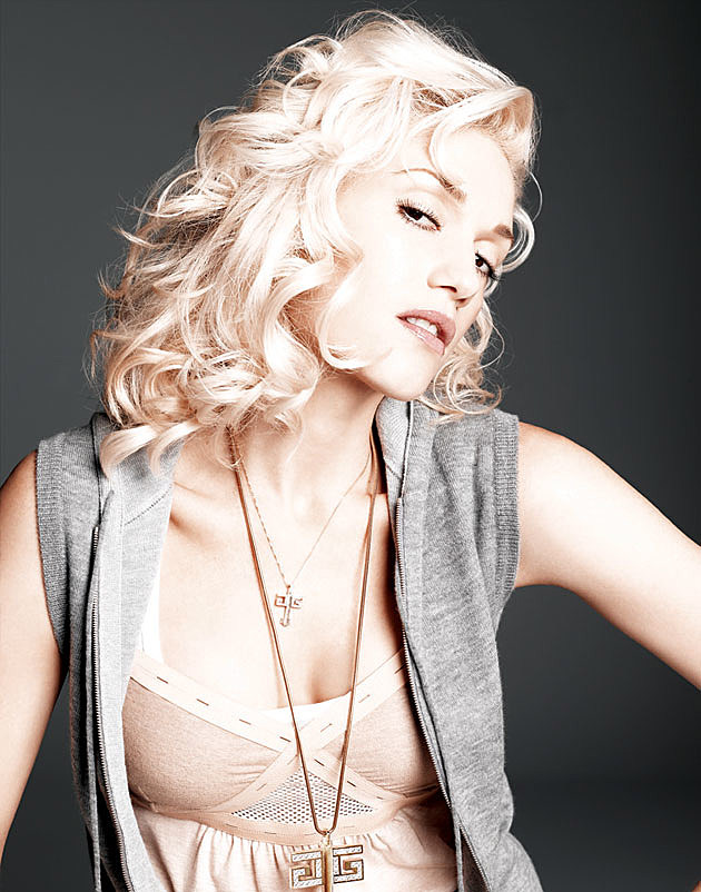 Gwen Stefani studio photo
