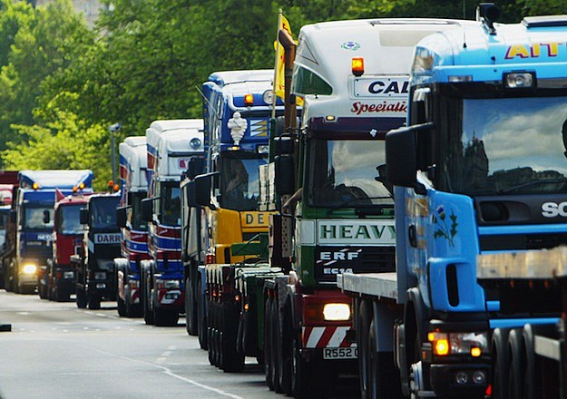 Truckers Protest Against Cost Of Fuel In Edinburgh
