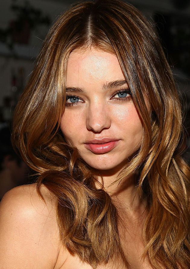 Miranda Kerr close-up