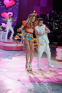 2012 Victoria's Secret Fashion Show Justin Bieber