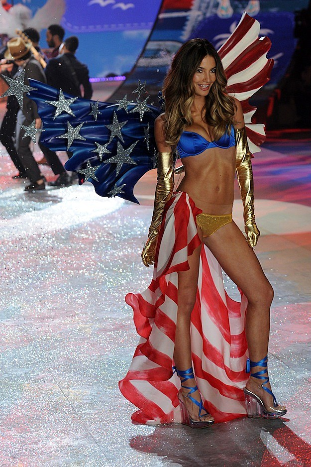 Victoria's Secret 2012 Fashion Show Pics