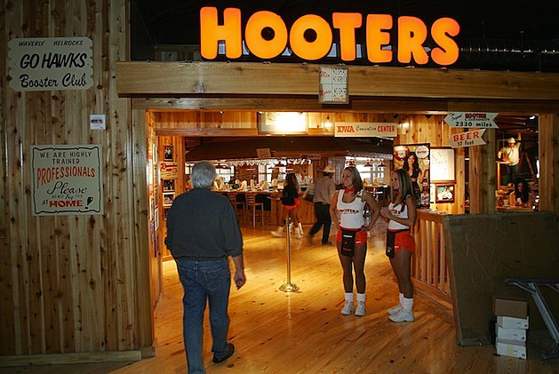 Hooters To Open Its First Casino Hotel