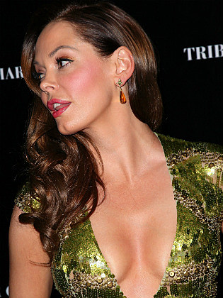 Celeb Cleavage Reveal 1 2 14