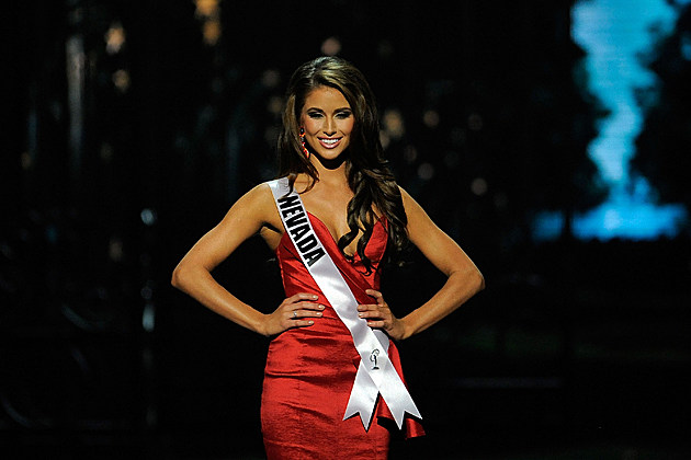 2014 Miss USA Nia Sanchez wins