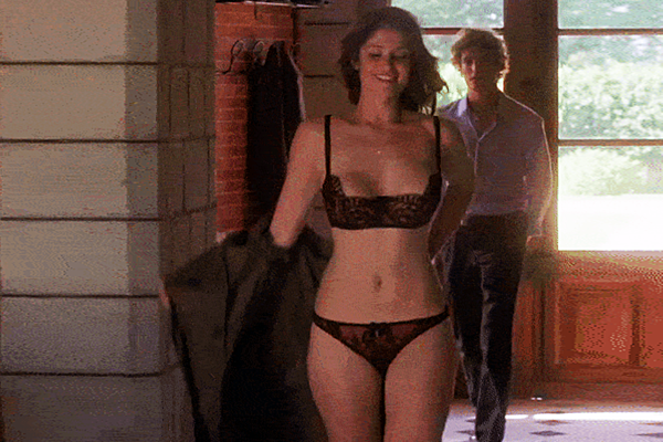 18 Sexy Gemma Arterton GIFs to Fall in Love With