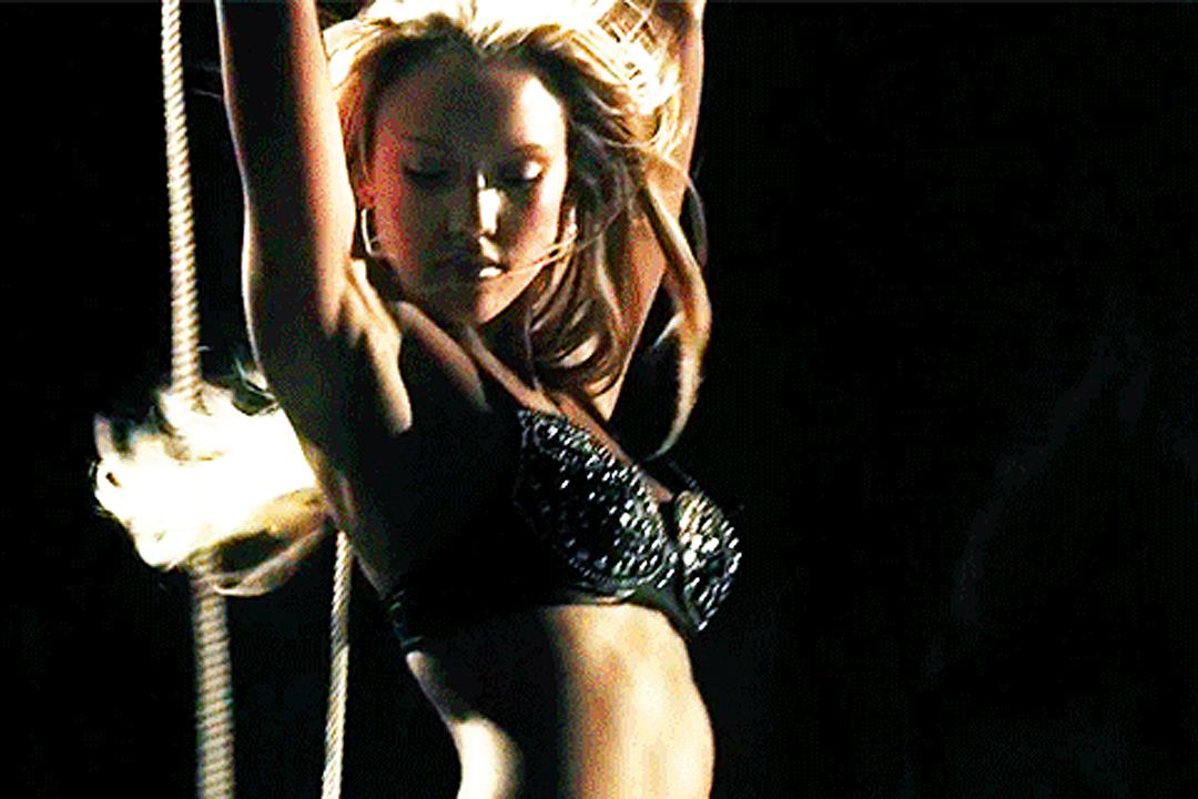 Jessica alba strips nude — 5